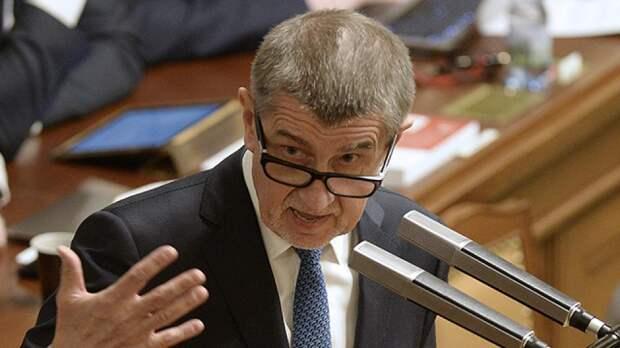 """Политолог назвал """"лицемерным"""" заявление премьера Чехии о России"""