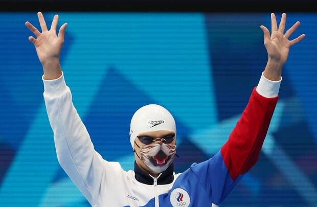 Организаторы Олимпиады коту предпочли суперзлодея: чемпиону Игр Рылову запретили выходить на пьедестал в маске с рисунком кошачьей морды