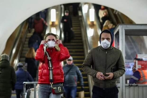 Россиянам назвали сроки выхода на плато по коронавирусу