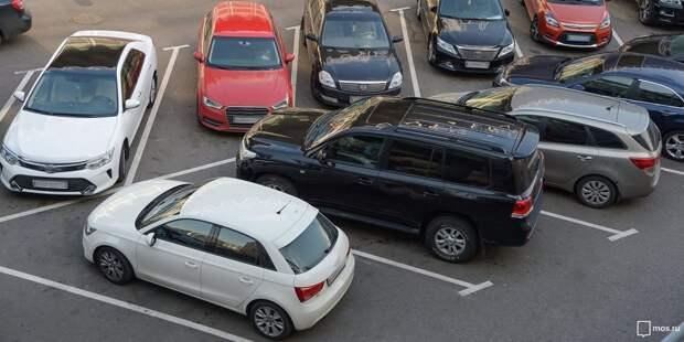 Парковка со шлагбаумом возле метро «Сходненская» стала перехватывающей