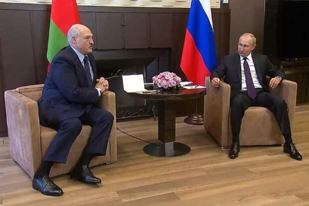 Александр Лукашенко и Владимир Путин. Снимок с видео. Пресс-служба президента РФ/ТАСС