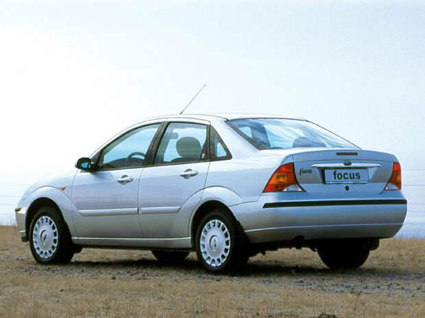 Как выглядели первые поколения привычных нам повседневных автомобилей.