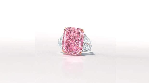 """Редкий розовый бриллиант """"Сакура"""" могут продать на аукционе за $38 млн"""