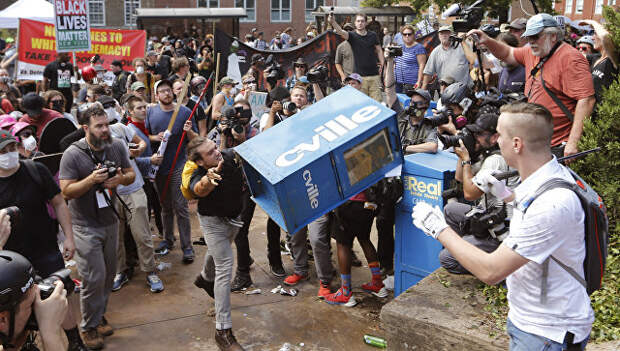 Столкновения с ультраправыми в Виргинии, США. Архивное фото