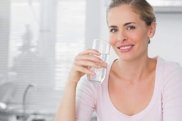 Стакан воды в часы «Ю-ши» для здоровья почек