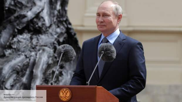 Путин тонко потроллил Байдена, сравнивая его с Трампом в интервью NBC