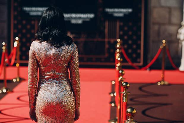Баста и нытьё года: чем запомнился российский шоу-бизнес в 2020 году