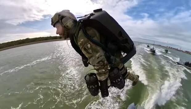 Морской спецназ впервые применил реактивные ранцы на учениях