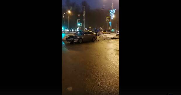 На бульваре Яна Райниса произошло ДТП с участием таксиста