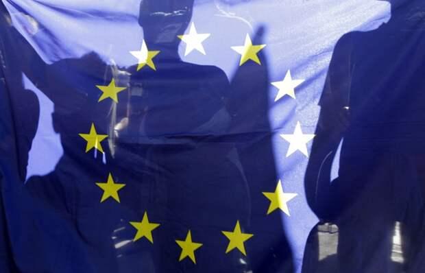 9 стран ЕС готовы блокировать попытки ввести против России экономические санкции