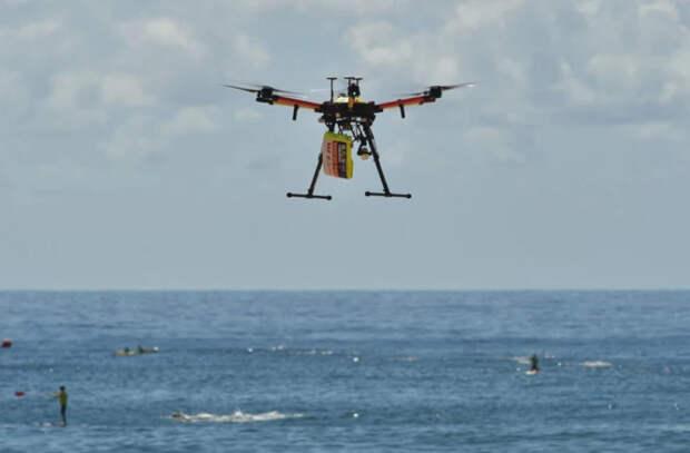 C помощью дронов спасают тонущих людей (ВИДЕО)