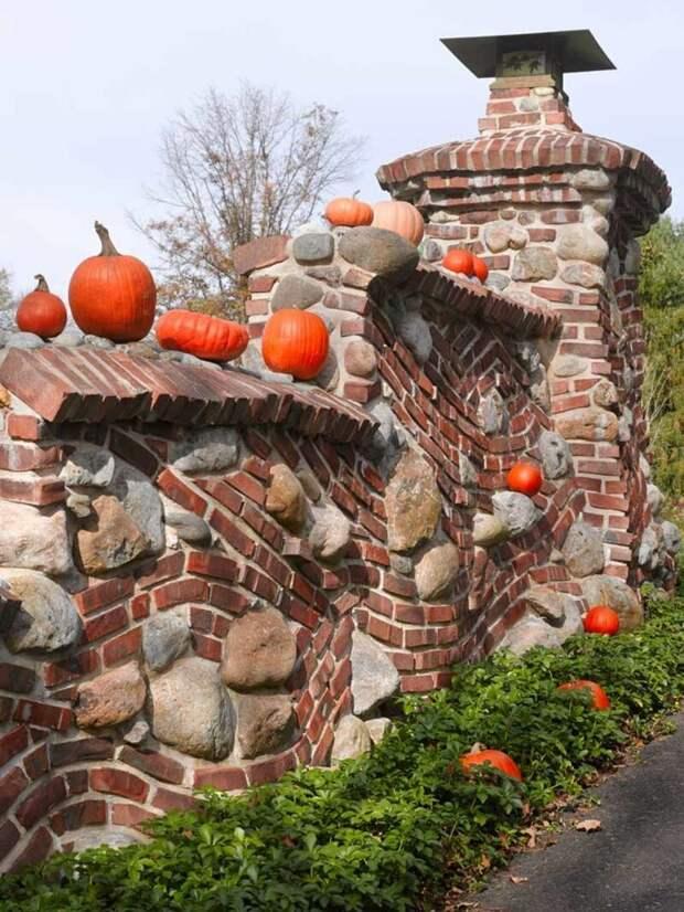 Брусчатка вперемешку с кирпичами Фабрика идей, дорогие, забор, интересное, камни, кирпич, красиво