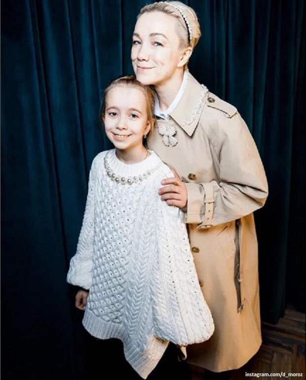 «Лесная фея»: Десятилетняя дочка Дарьи Мороз снялась в воздушном платье на лесном лугу