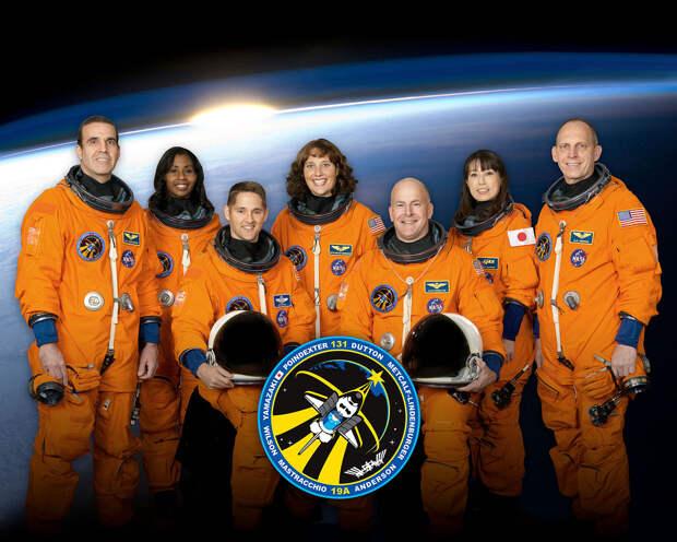 Слева направо: Мастраккио, Уилсон, Дэттон, Метклаф-Линденбургер, Пойндекстер, Ямазаки, Андерсон.