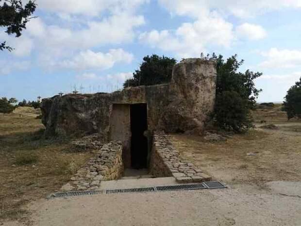 Гробницы королей в Пафосе, Кипр