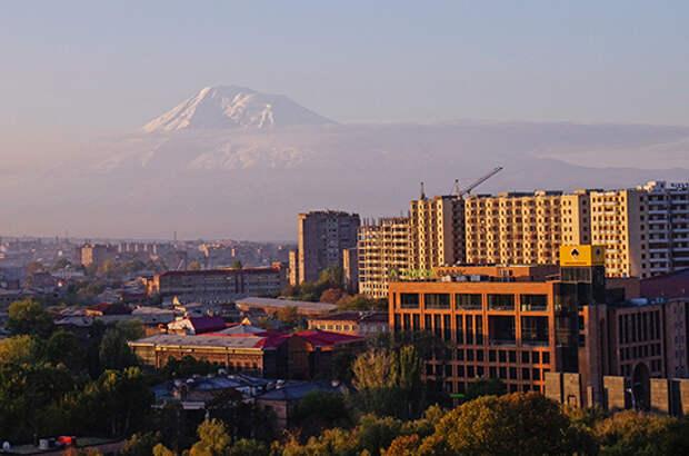 Ереван надеется, что Баку выведет войска с территории Армении