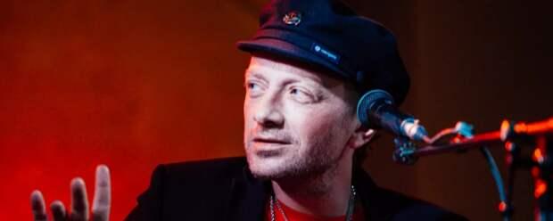 Пьяный Глеб Самойлов из «Агаты Кристи» сорвал концерт