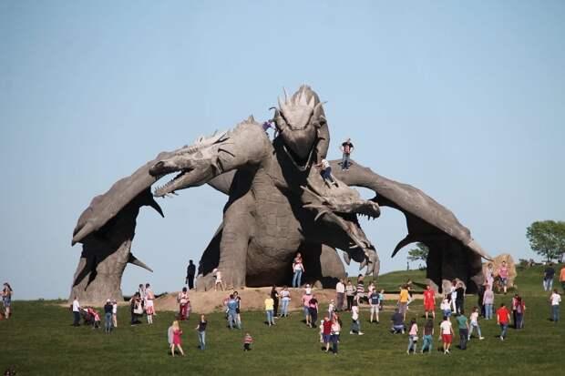 В Липецкой области воздвигли Змея Горыныча