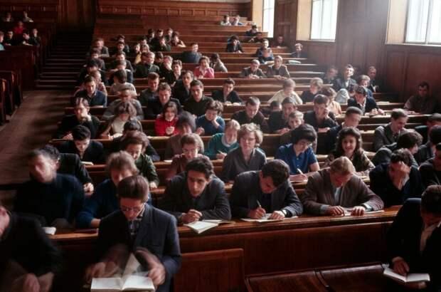 МГУ. Студенты в лекционном зале дин конгер, фото, фотограф