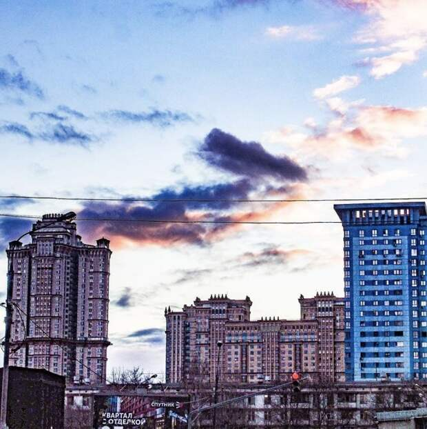 Фото дня: предновогоднее небо над Щукино