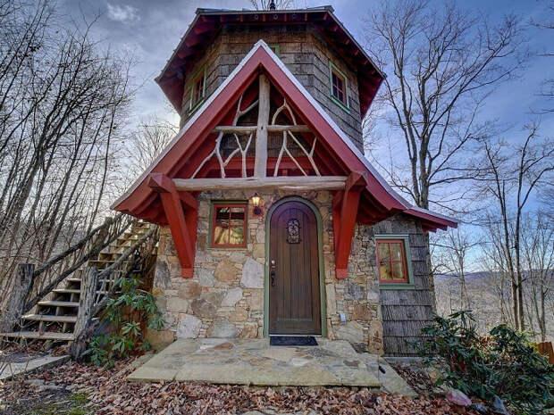 красивый лесной домик 2 (700x525, 566Kb)