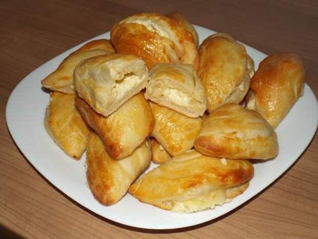 Пирожки с сыром – рецепт на скорую руку.