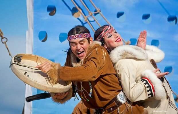 Коряки исполняют национальный танец./Фото: photosight.ru