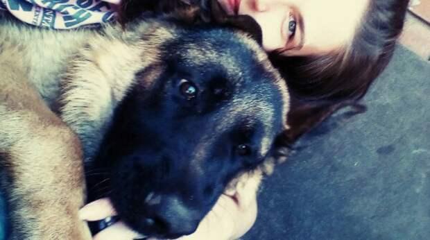Девушка долгое время искала собаку для души, пока не увидела кроху с грустными глазами…