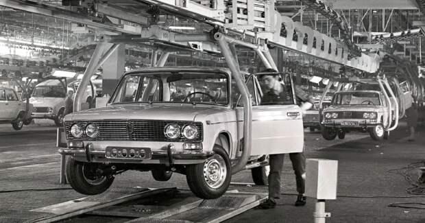Обрушить «АвтоВАЗ»: как первый советский хакер взломал автомобильный завод