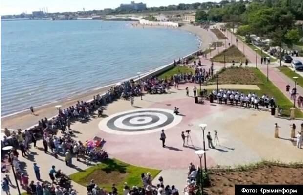 Глава города в Крыму назвал вырванным из контекста призыв воздержаться от прогулок из-за желания посещать пляжные туалеты