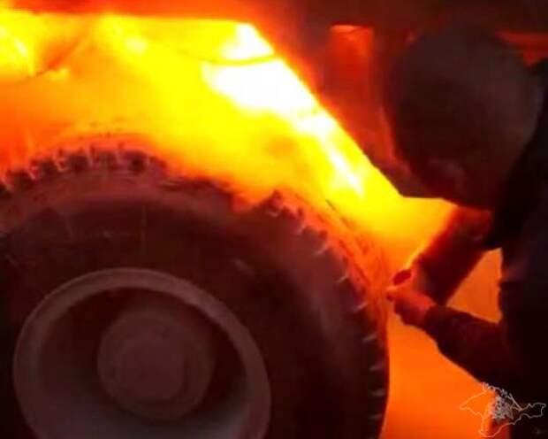 В Севастополе росгвардейцы потушили загоревшийся грузовик