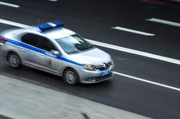 В Волгограде внедорожник проехал по лестнице Центральной набережной