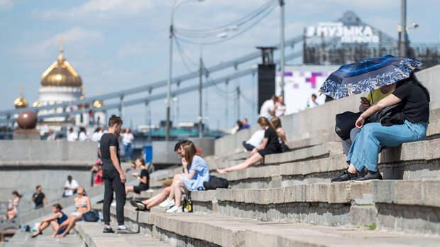 Июльскую погоду со следующей недели пообещали россиянам в Гидрометцентре