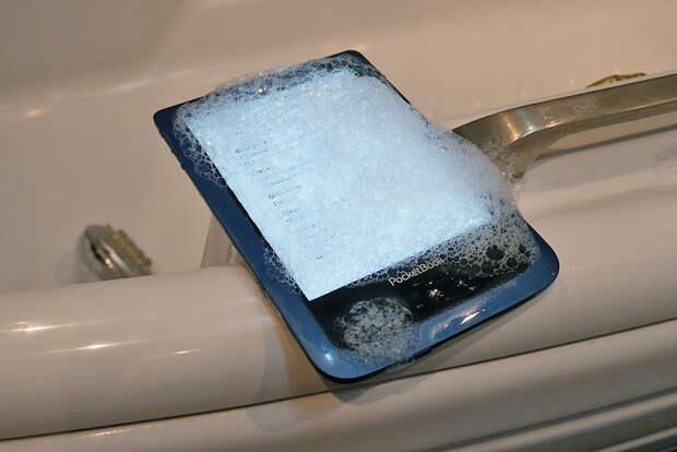 Электронная книга - какая лучше защищена от воды