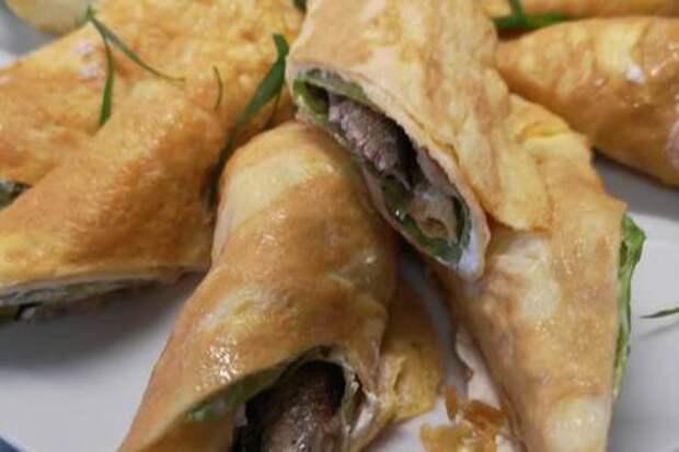 Яичные блинчики со шпротами и сливочным сыром: фото шаг 4