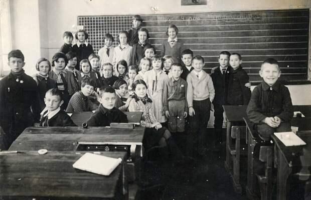 Школа №1, Нижний Новгород, 1930-е. Фото: timophej.livejournal.com