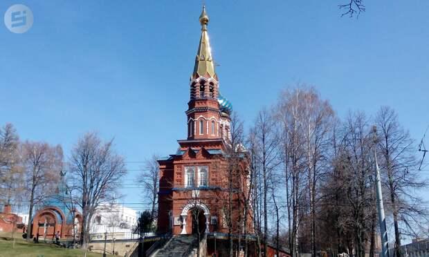 Журналисты «Сусанина» позвонили в колокола Казанско-Богородицкого храма в Ижевске