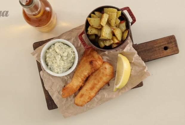 Фото приготовления рецепта: Фиш-энд-чипс с соусом тартар - шаг 4