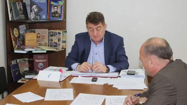 Айдер Типпа провел плановый прием граждан