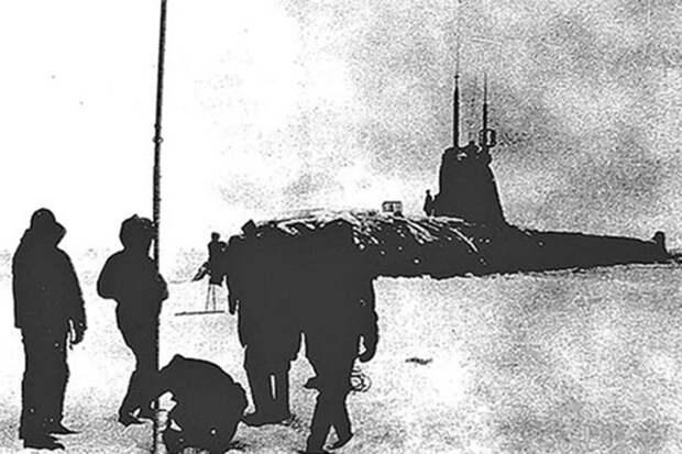 Подводная лодка К-181 впервые всплыла на Северном полюсе 57 лет назад