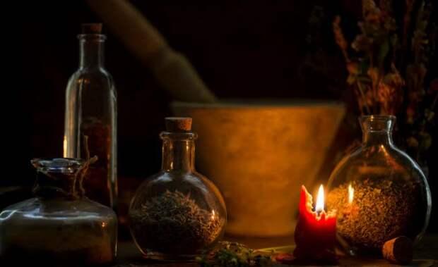 Жуткие истории современной охоты на ведьм, от которых инквизиторы нервно прикурят от костра