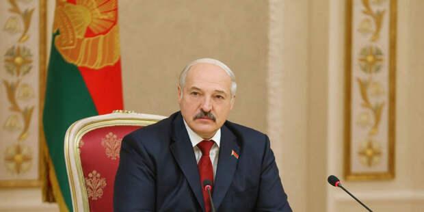 Лукашенко рассказал о «тоннах оружия» из Украины