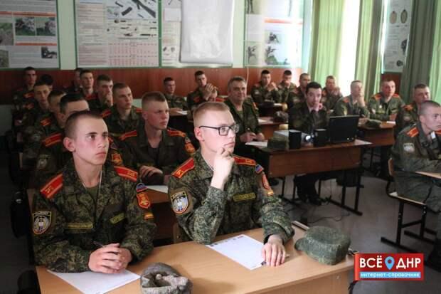 Донбасс потерян для Украины: Киев жалеет о поколении детей ДНР, не ставших ура-патриотами