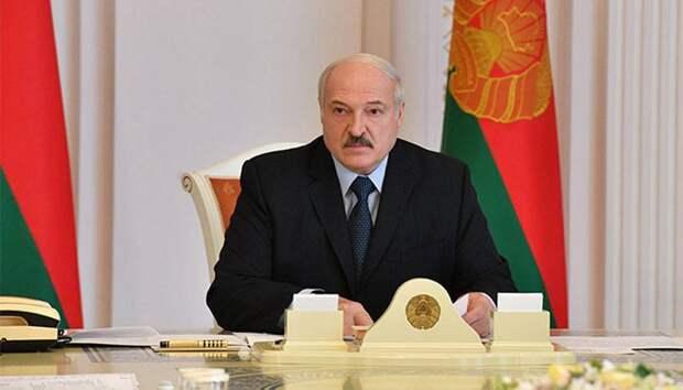 «Подумайте, что скажут люди»: Президент Белоруссии заявил о невозможности отменить парад 9 мая