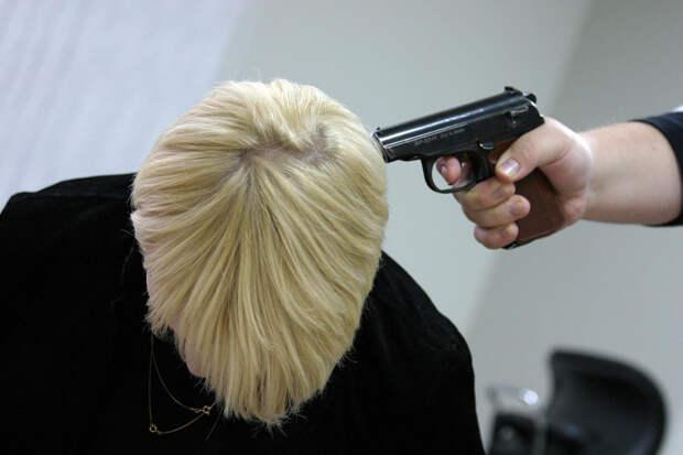 Тренер из Москвы в шутку выстрелил в голову знакомой