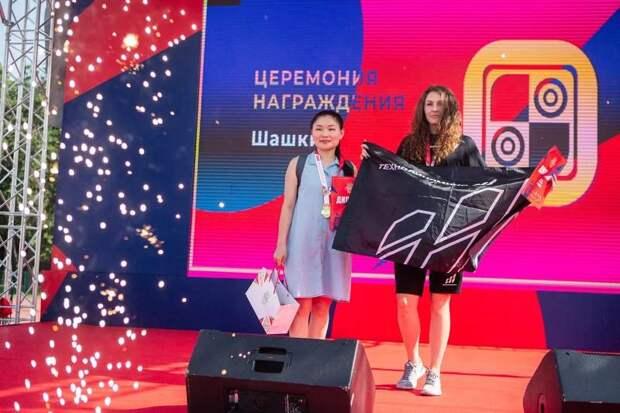 Мы первые: Сотрудник Управления по Северо-Западному административному округу завоевала золотую медаль в соревнованиях по шашкам