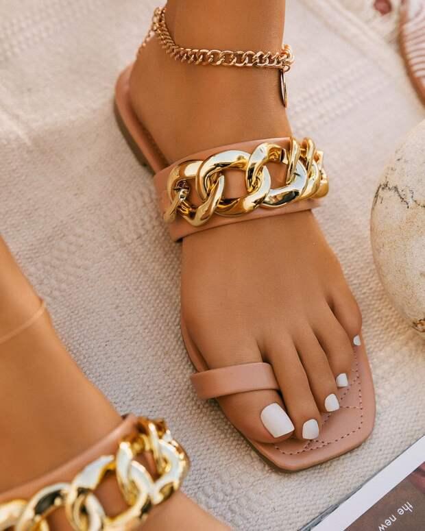 Модные сандали 2021: стильные расцветки, модели и 12 фотоидей
