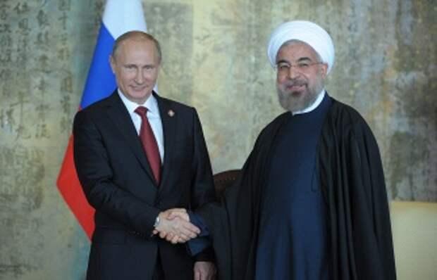 Китай. Шанхай. 21 мая. Президент России Владимир Путин и президент Ирана Хасан Роухани