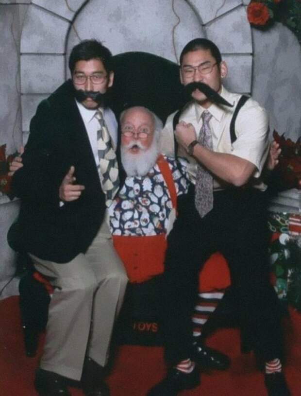 yearly-ageless-santa-pictures-02-608x800