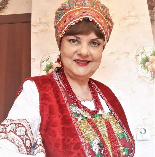 Певица из Лосинки создала клуб-ансамбль «Русский сувенир»